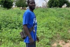 Das ist unser Teammitglied Abdou. Er lebt mit seiner Familie in Dakar und begleitet uns überall hin, vom Flughafen in jede Kommune Senegals und ist ein wunderbares Organisationstalent.
