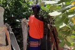 Das ist Diattou. Sie ist Schamanin, eine Heilerin. Sie zeigte uns ihren Kräutergarten.