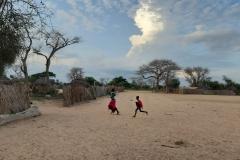 Große freie Flächen werden von den Kindern zum Fangenspielen genutzt
