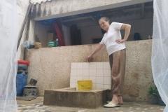 Wir sind gerade in unserer städtischen Unterkunft in Dakar angekommen und freuen uns über den laufenden Wasserhahn.